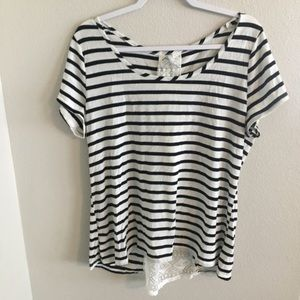 Vanity striped tee with lace details. Size XL